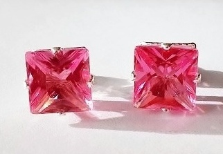 Náušnice SQUARE Diamond - Hot Pink / 893